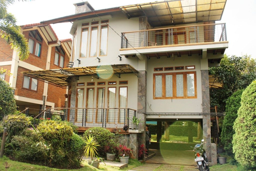 Villa Istana Bunga Blok G No 6 Lembang, sewa villa lembang