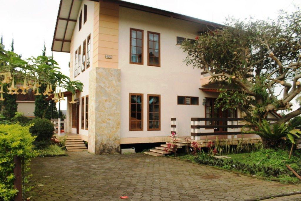 Hasil gambar untuk villa r 35 di lembang