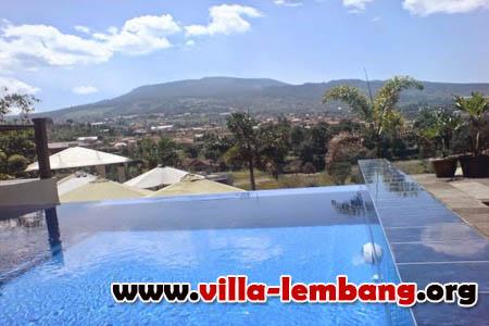 villa kolam renang lembang pemandangan indah