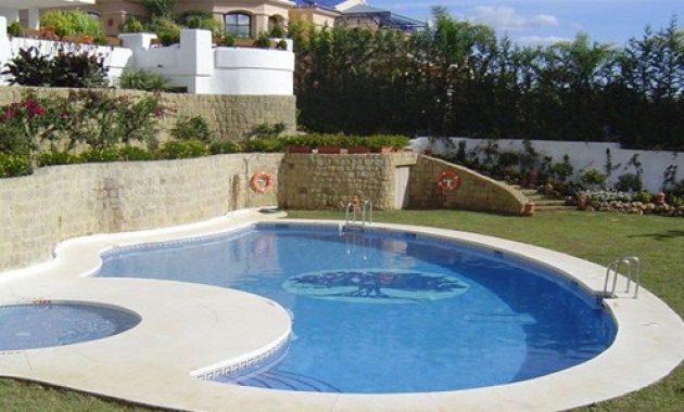 villa di lembang kolam renang